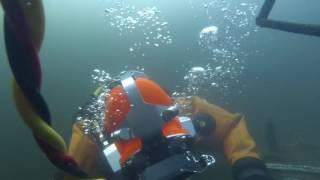 Подводная сварка в снаряжении СВУ-5(Учебный водолазный спуск на водолазном полигоне воронежской водолазной школы ДОСААФ. Спасибо, что есть..., 2016-12-30T21:23:13.000Z)