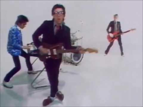 Elvis Costello 'Pump It Up' Vs Rogue Traders 'Voodoo Child'