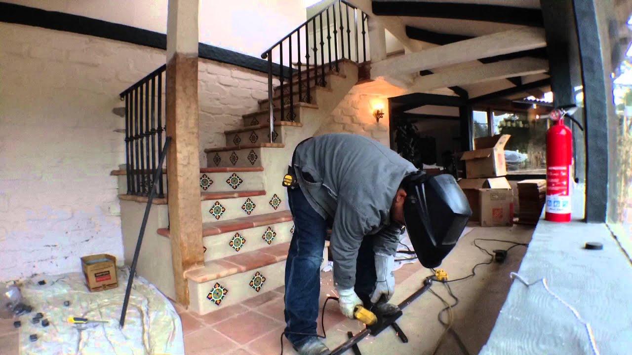 Escaleras de baldosa y barandal de fierro youtube for Escaleras de fierro