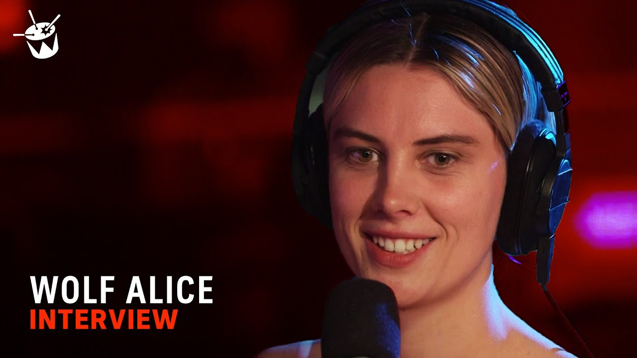 Ellie from Wolf Alice explains why she deletes the kisses
