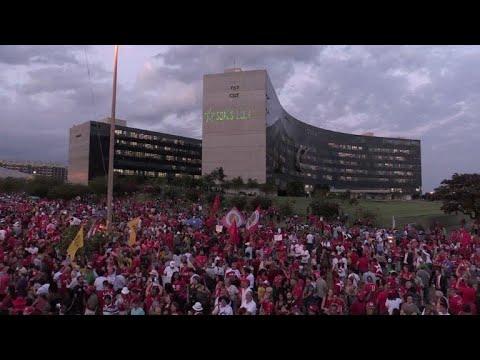 Desafiador, PT inscreve Lula