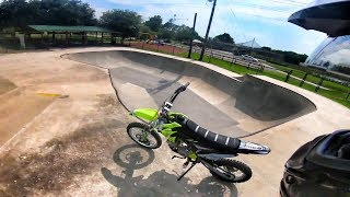 BROUGHT MY PIT BIKE TO THE SKATEPARK!