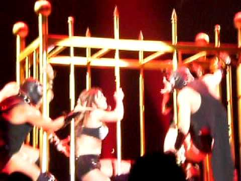 Britney Spears - Piece Of Me Live In...