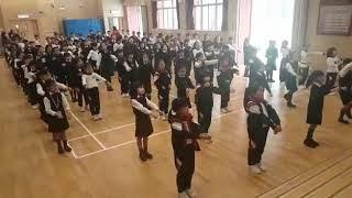 Publication Date: 2018-03-23 | Video Title: 具生命教育意義的「勵志健身舞」課間操— 生命有價 (三年級)
