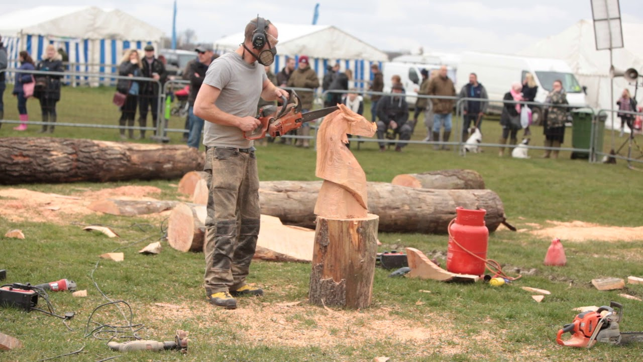 Chainsaw carving at the thame country show uk youtube