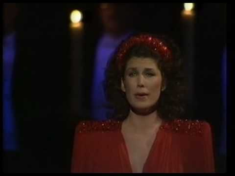 Rosalind plowright sings casta diva from norma youtube - Casta e diva ...