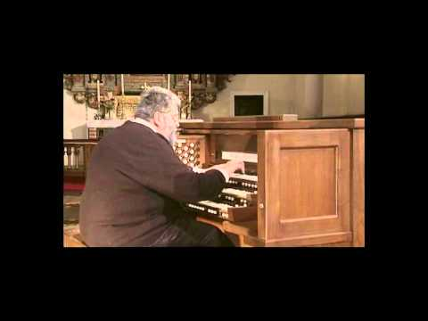 Carlo Curley plays Johann Sebastian Bach, Toccata and Fugue in D Minor.avi