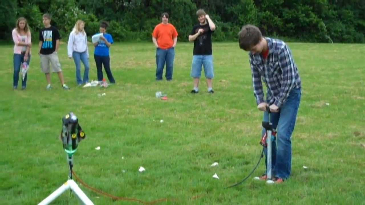 Water Bottle Rocket Competition 2011 - YouTube