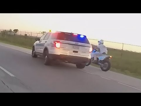 Motorcycle VS Cops Biker Run Off The Road By Cop Swerves At Bike Running From Cops POLICE CHASE 2017