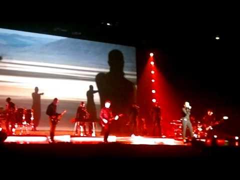 [1/10] Sade - Forum Assago (Milan Milano Italy) 06/05/2011