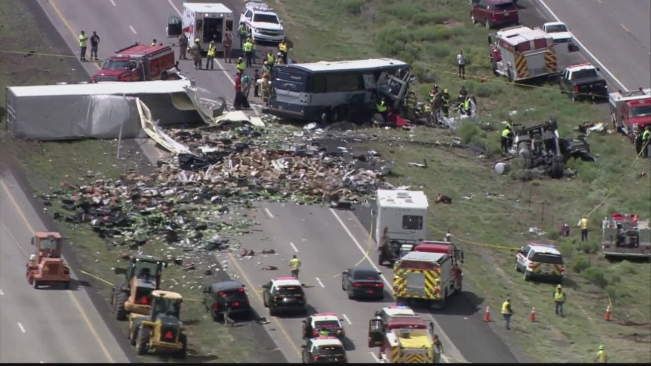 Multiple killed in bus crash involving semi on I-40 near Thoreau