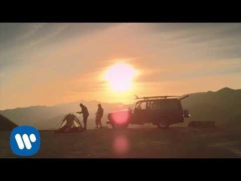 Billie Joe Armstrong, Norah Jones Celebrate Summer Love in 'Kentucky'