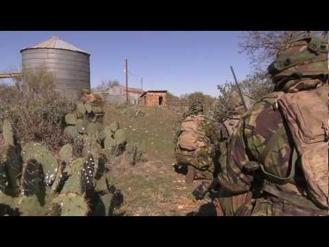 Luchtmobiel traint op Fort Hood met helikoptereenheden