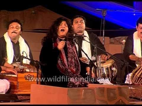 Soz-e-Ishq (Mere Ghar Aya Piya Hamra) by Sufi singer Abida Parveen