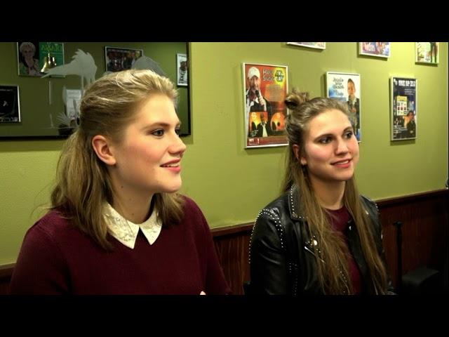 Zus ( Bo en Kiki ) bij het Regio Artiesten Café