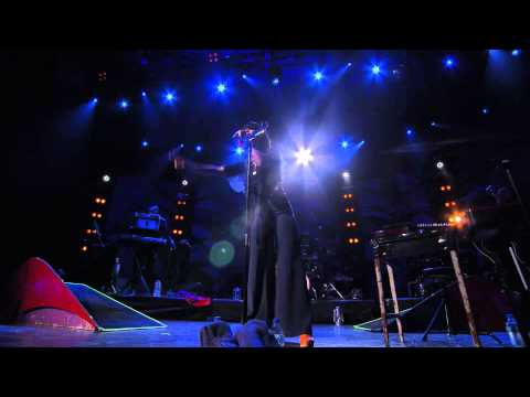 [HD] Bat For Lashes - Sleep Alone (Live at iTunes Festival 2012)