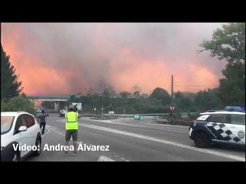 Los incendios asolan Galicia: arden Monforte de Lemos, Porto do Son y Ourense