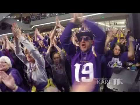 Vikings Skol Chant: 4000 strong at Mall of America