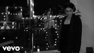 Video Jessie J - Queen (Acoustic) download MP3, 3GP, MP4, WEBM, AVI, FLV April 2018