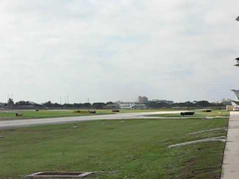 Gulfstream 550 Departing KBCT