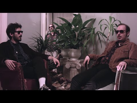 Ati ve Aşk Üçgeni - Beni Yanına Al (Official Video)
