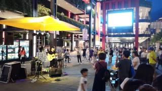 SOGI@Meitu V4s 1080P Full HD 夜間錄影(街頭藝人表演)