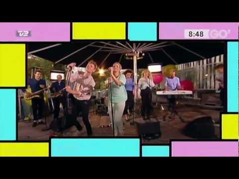 Alphabeat - Love Sea (Live)