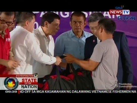 5 Vietnamese fishermen na nahuli, binigyan ni Pres. Duterte ng bag na may lamang supplies