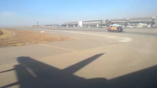 سر رش ''طائرة اليابانيين'' بالمياه في مطار الأقصر