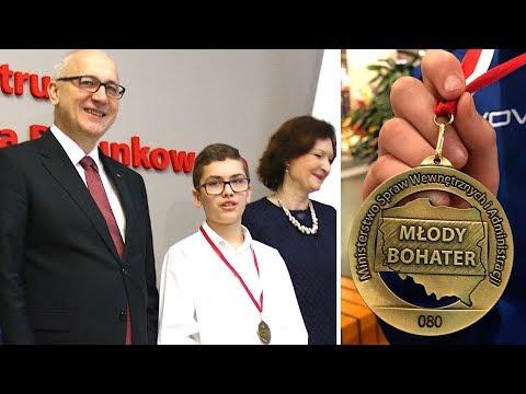12-latek uratował emerytkę. Dostał medal od ministra Brudzińskiego
