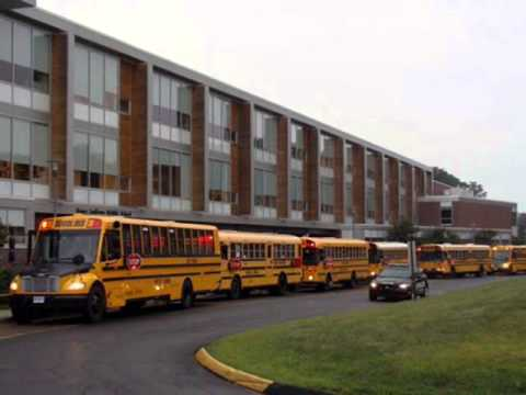 school buses at roger ludlowe middle school