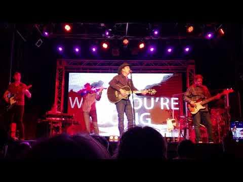 Clay Walker Workin' On Me at Billy Bob's Texas 4.14.18