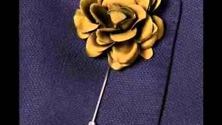 How to Wear a Men's Suit with a Lapel Flower Thumbnail