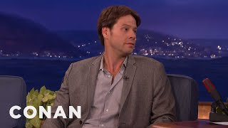 ike barinholtzs book beef with mindy kaling   conan on tbs