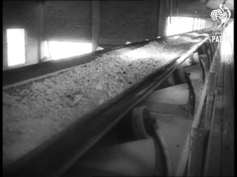 Mining At Johannesburg For Gold And Uranium (1950)