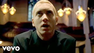 Смотреть клип Eminem - Cleanin' Out My Closet
