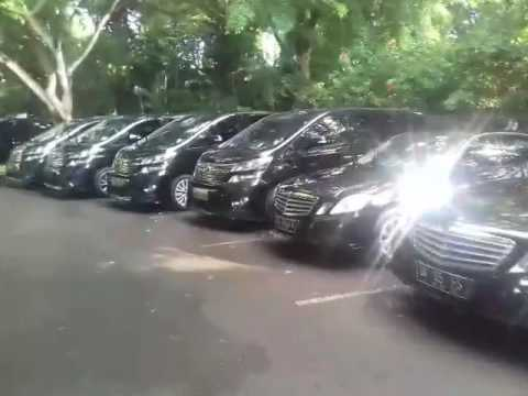 TOURING SERVICE BALI WITH LUXURY CAR