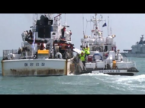 First bodies pulled from submerged Korean ferry