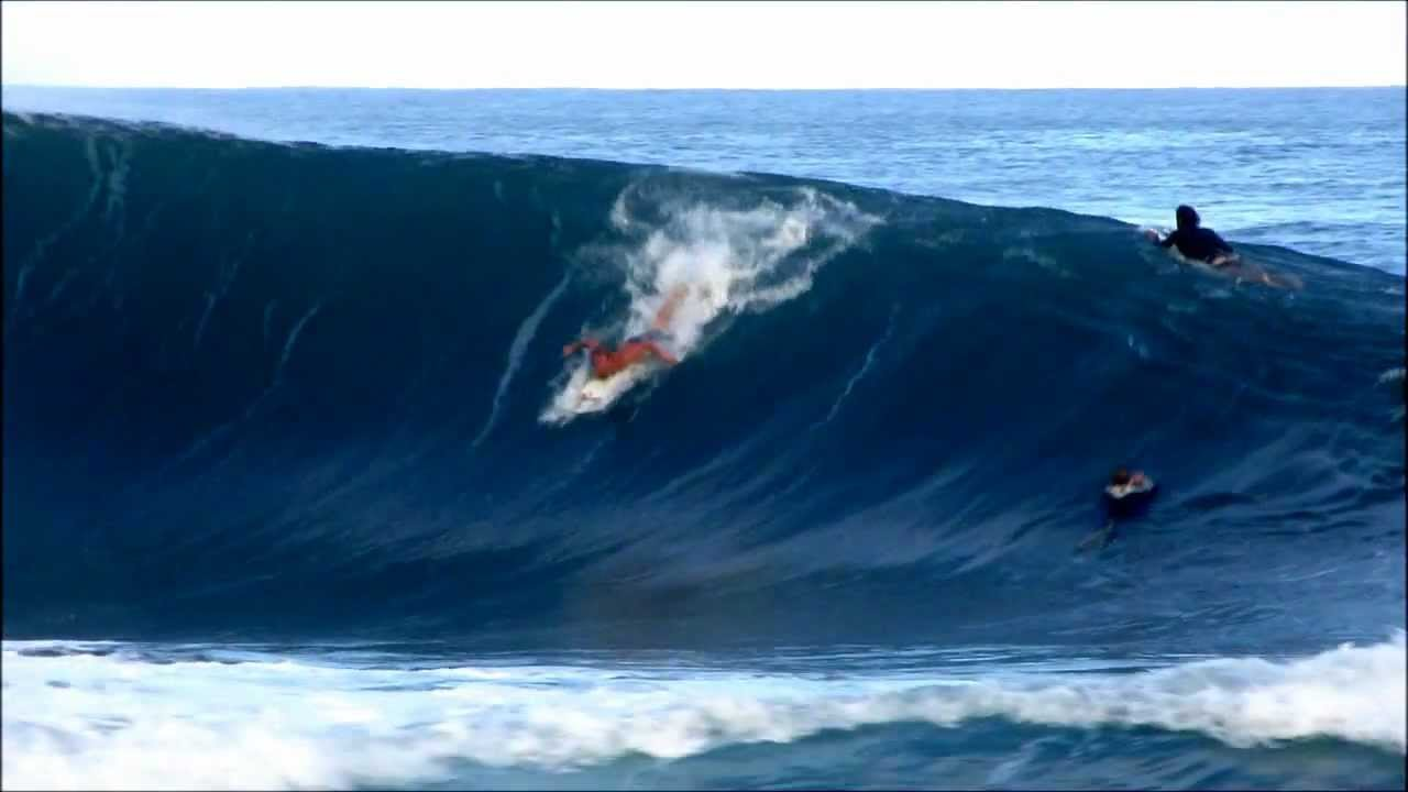 Jamie O'brien switchfoot double barrel at Pipe