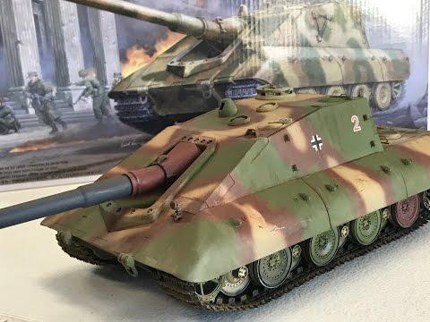 Building the 1/35 Trumpeter SUPER HEAVY  Jagdpanzer E100  Krokodil -crocodile