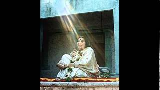 Shri Mataji Nirmala Devi Miracle Photos