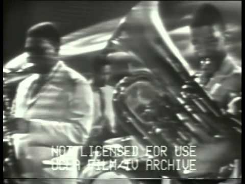 "Minor Mode - Max Roach Quintet on ""The Stars of Jazz"" (1958)"