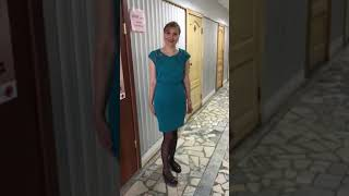 видео С чем носить бирюзовое платье
