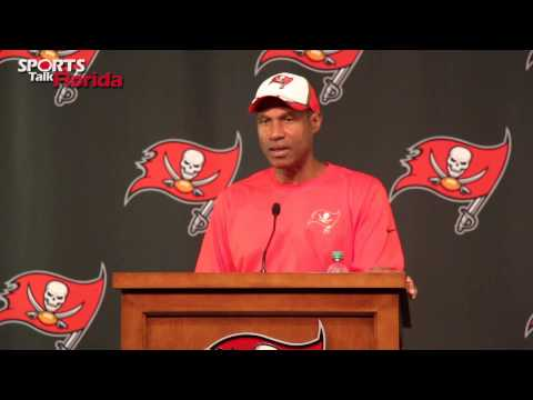Bucs DC Leslie Frazier: Packers Will Test Defense