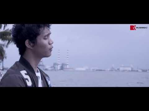 OFFICIAL MUSIC VIDEO   MERINDUKANMU   DASH UCIHA PlanetLagu com