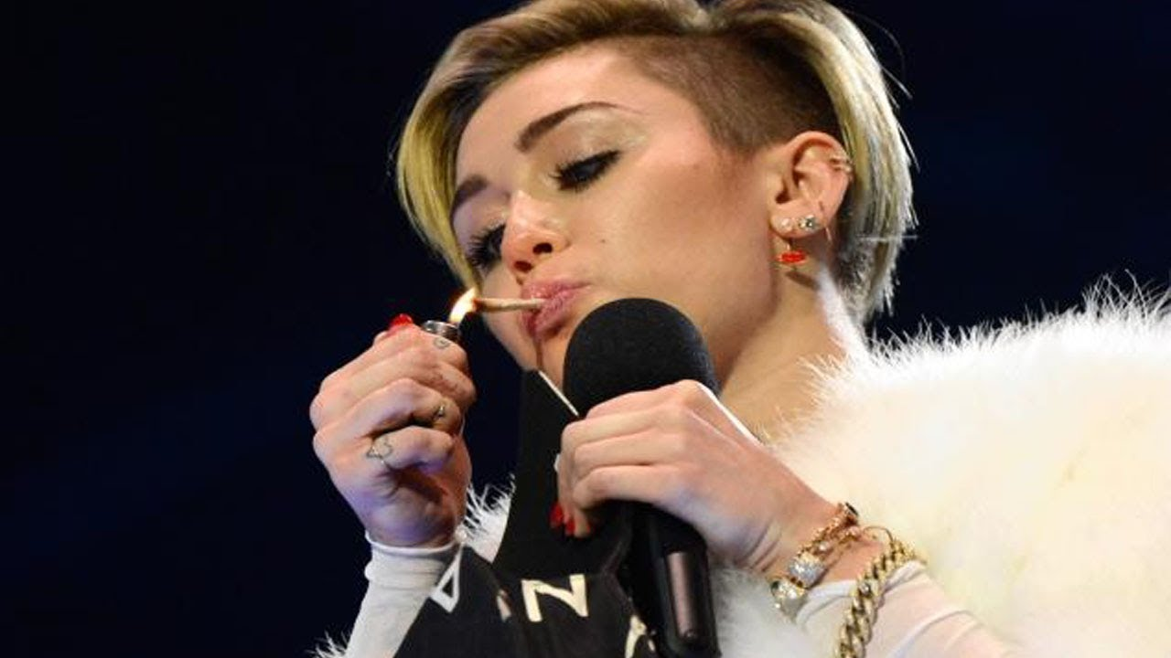 Miley cyrus smoking pics