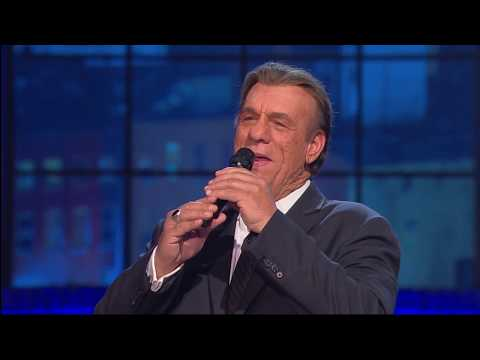 Robert Davi Performs