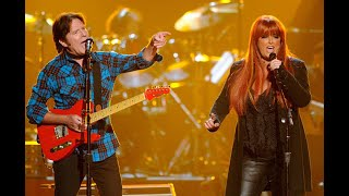 John Fogerty (Creedence Clearwater Revival) & Wynonna Judd Sing