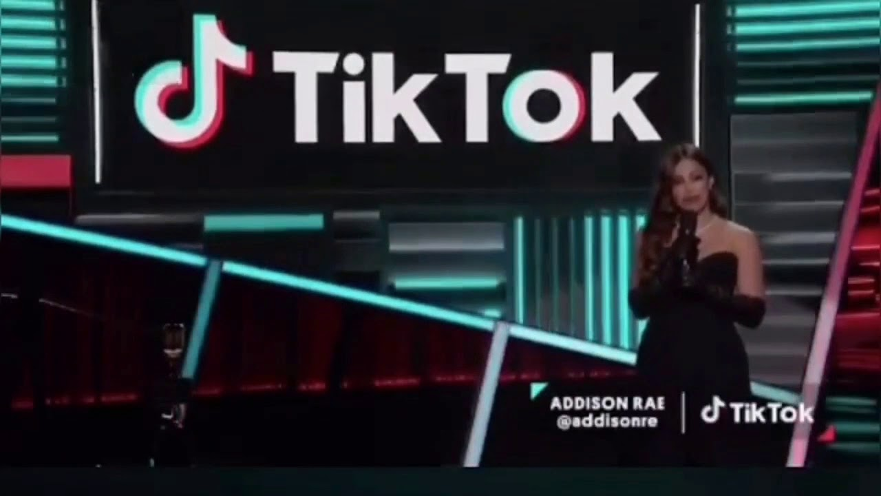 addison rae on billboard music awards 2020 (full video)