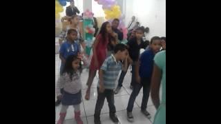 festas das criança  na igreja ass dos santos no Brasil